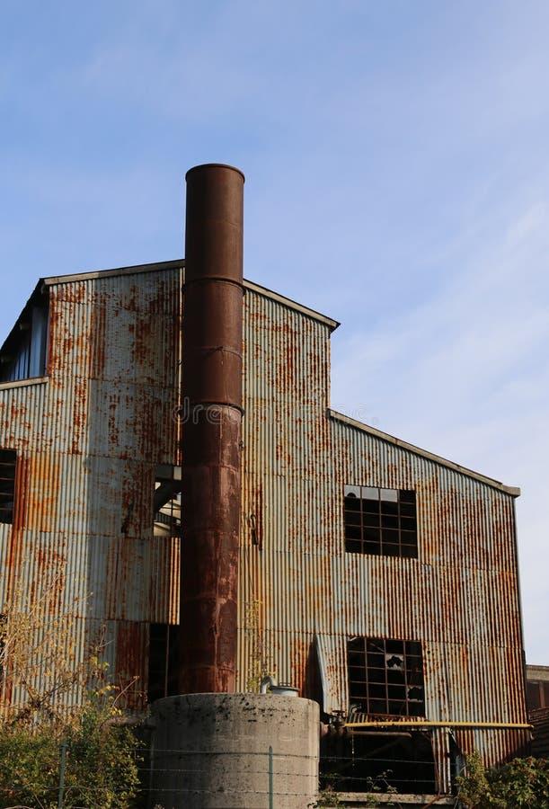 fabbrica abbandoned molto vecchia immagini stock