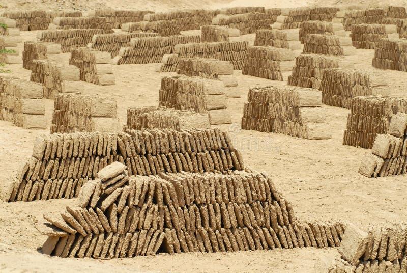 Fabbrica del mattone del fango, Shibam, valle di Hadhramaut, Yemen fotografie stock libere da diritti