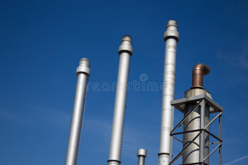 Fabbrica dell'olio e del prodotto chimico immagine stock