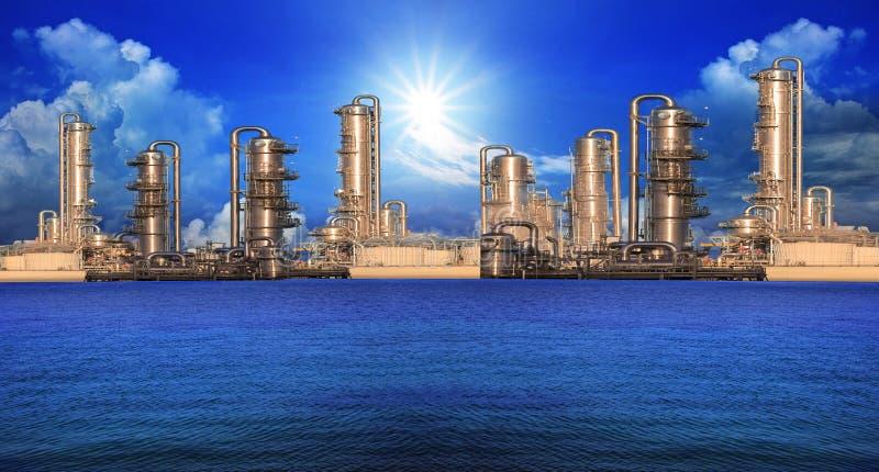 Fabbrica della raffineria nella proprietà di industria fotografie stock libere da diritti