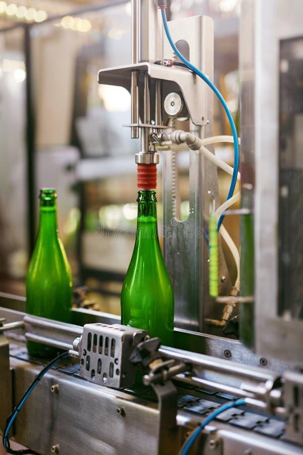 Fabbrica di birra della birra Processo di fabbricazione della birra del mestiere immagini stock