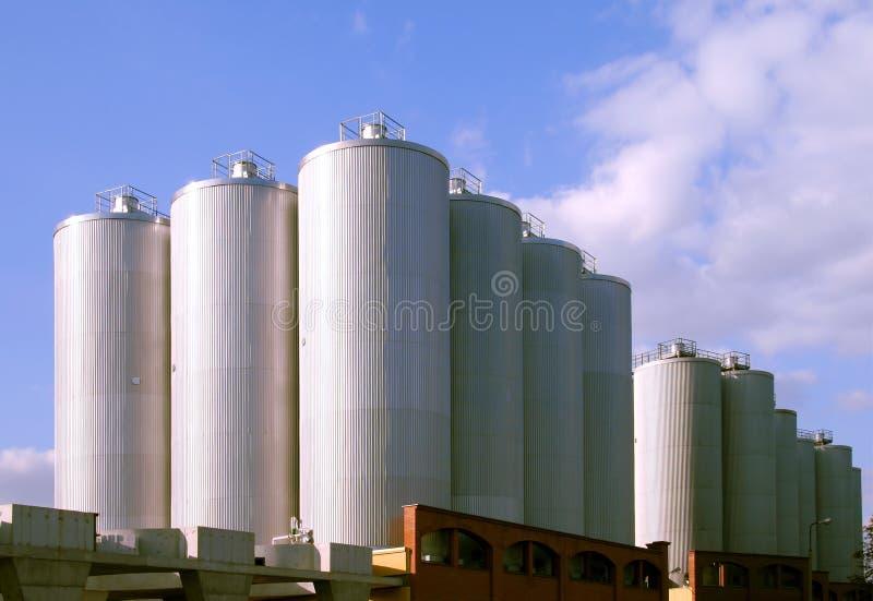 Fabbrica di birra moderna fotografia stock libera da diritti