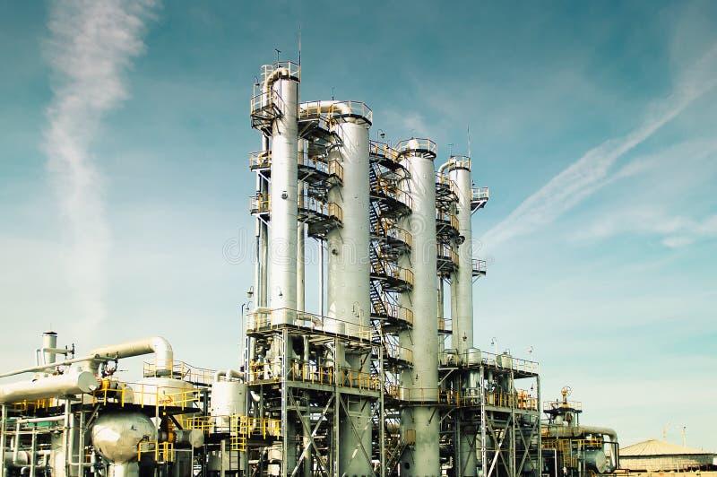 Fabbrica elaborante del gas di vista. immagine stock
