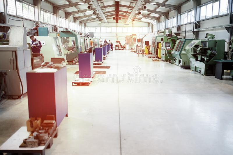 Fabbrica fornita di macchine di CNC fotografia stock libera da diritti