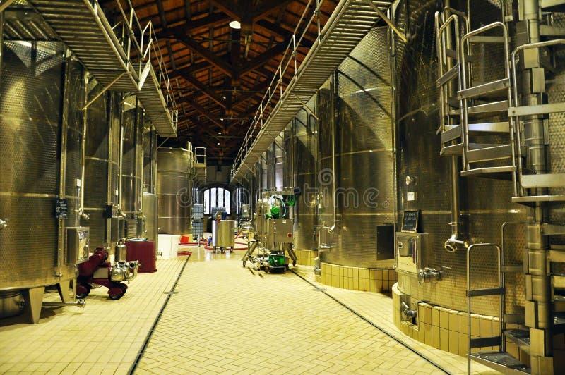 Fabbrica moderna del vino di marsala siciliano immagine stock libera da diritti