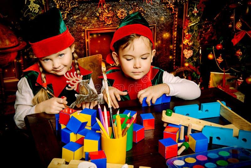 Fabbricazione dei giocattoli fotografie stock