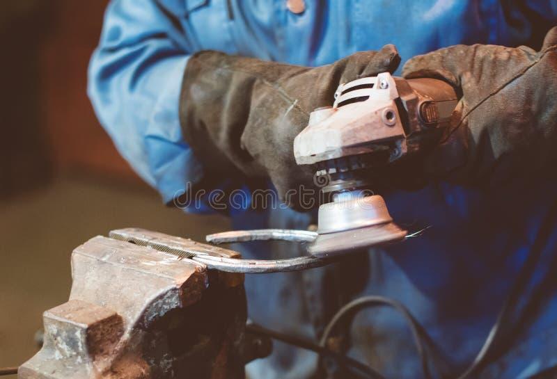 Fabbricazione del ferro di cavallo fotografie stock libere da diritti