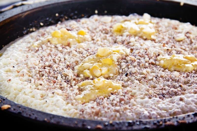 Fabbricazione del pancake immagine stock