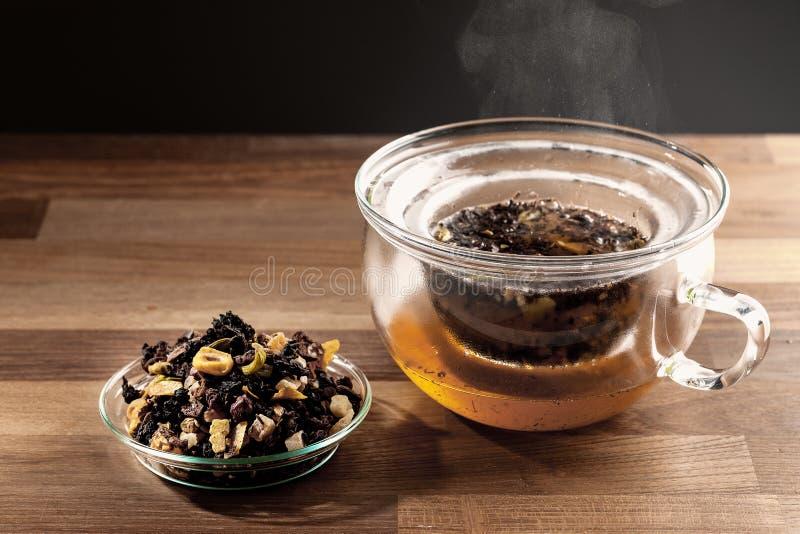 Fabbricazione del tè fotografia stock