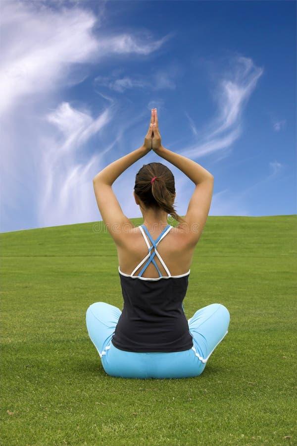 Fabbricazione dell'yoga fotografia stock libera da diritti