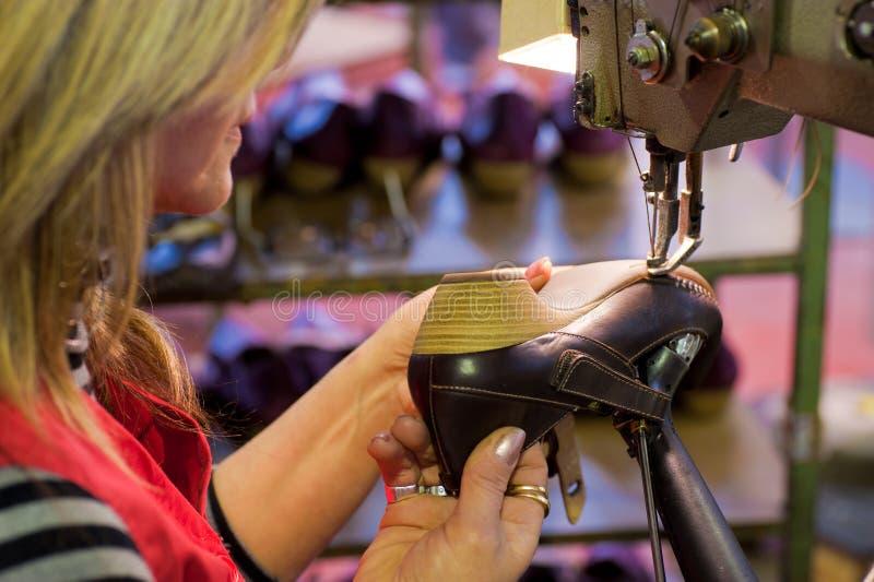 Fabbricazione delle calzature fotografia stock libera da diritti