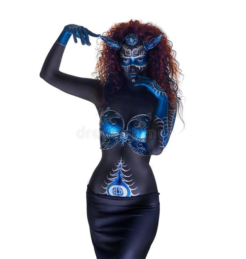 Fabelachtig wijfje van fairytale met blauw zwart lichaamsart. royalty-vrije stock fotografie