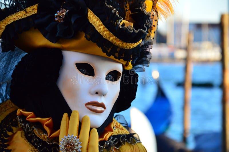 Fabelhafte Maske am Karneval in Venedig lizenzfreies stockfoto