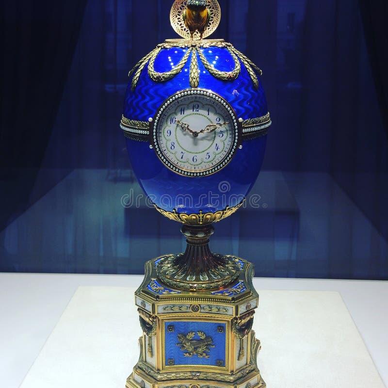 Fabergé äggklocka arkivfoto