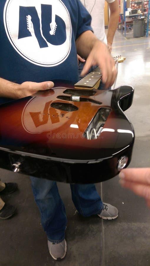 Fabricación de la guitarra foto de archivo