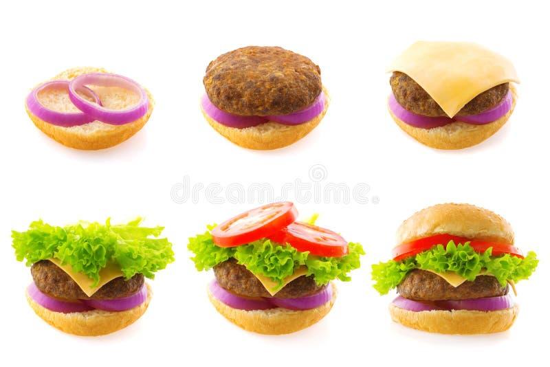 Fabricación de la hamburguesa fotografía de archivo libre de regalías