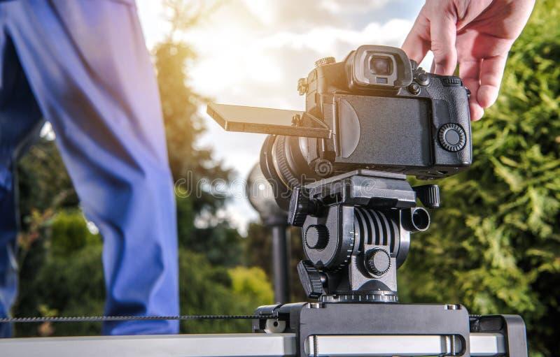 Fabricación del vídeo usando el resbalador fotos de archivo libres de regalías