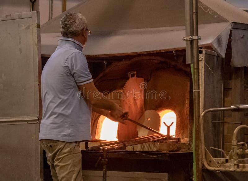 Fabricación del vidrio en la isla de Murano foto de archivo libre de regalías