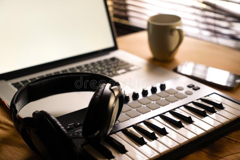 Fabricante da música imagens de stock royalty free