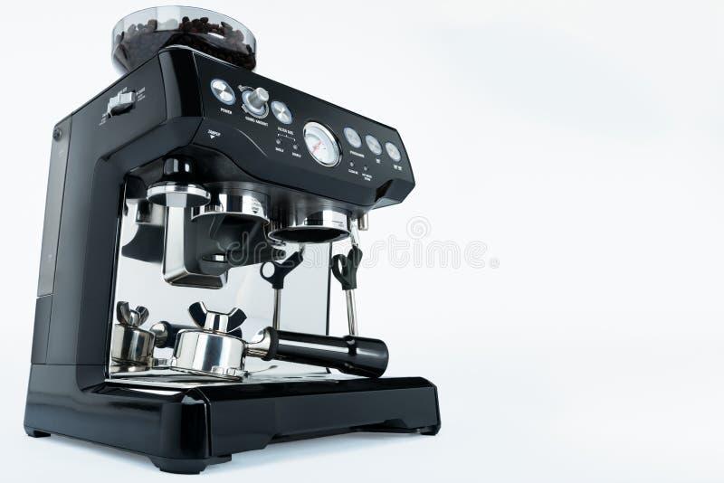 Fabricante de café manual negro con la amoladora en un fondo blanco, vista lateral fotografía de archivo