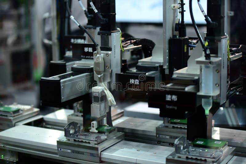 Fabricantes e importadores para la industria pesada Come se une a en la cabina fotografía de archivo libre de regalías