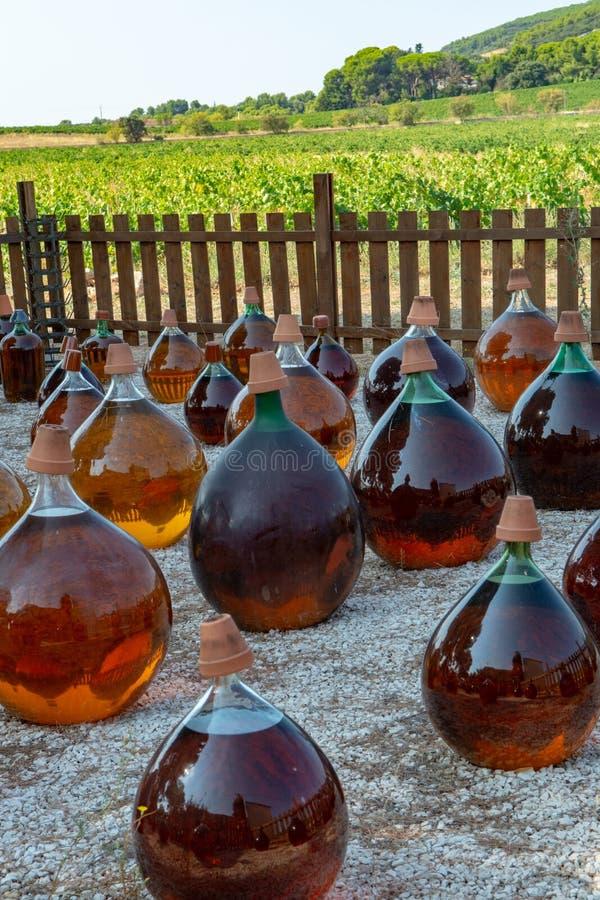 Fabrication de l'outsid doux naturel de vin blanc de liqueur de muscat de dessert photographie stock
