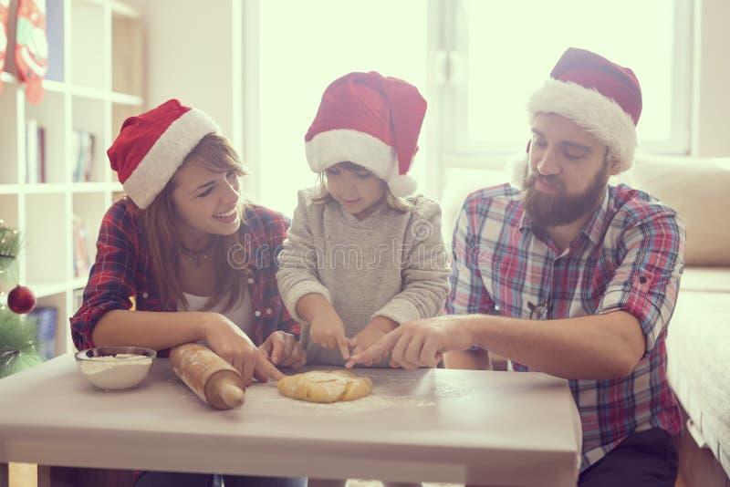 Fabrication des biscuits photographie stock libre de droits