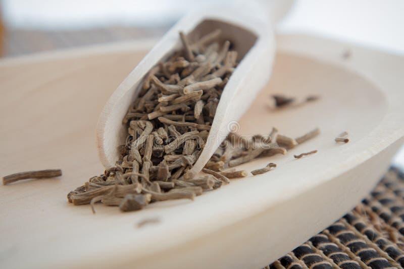 Fabrication du service à thé d'infusion de valériane photo stock