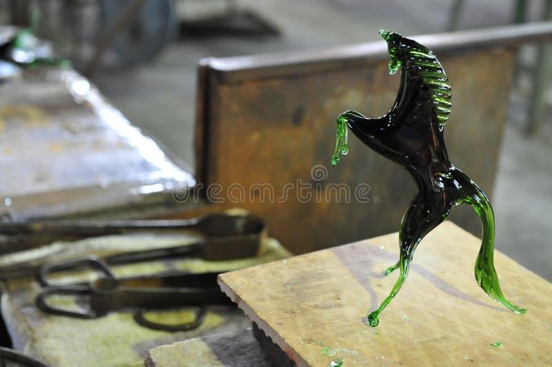 Fabrication du verre sur l'île de Murano, Italie images libres de droits