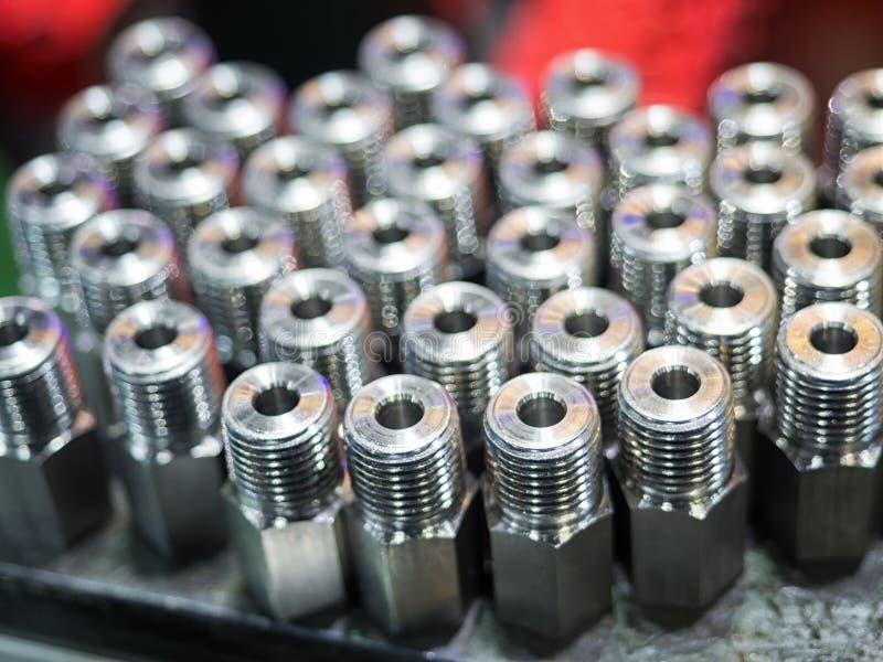 Fabrication en acier de pièce de haute précision par le moulage et l'usinage images libres de droits