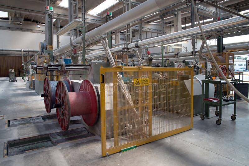 Fabrik - Elektrische Drähte Der Produktion Stockfoto - Bild von ...