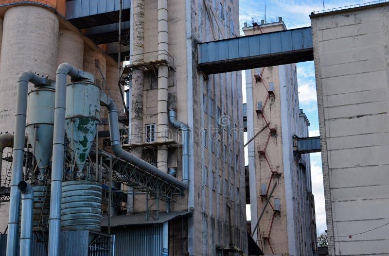 Fabrik für die Produktion von Brot- und Bäckereiprodukten vom Mehl lizenzfreie stockbilder