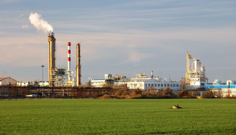 Fabrik industrianläggning royaltyfri bild