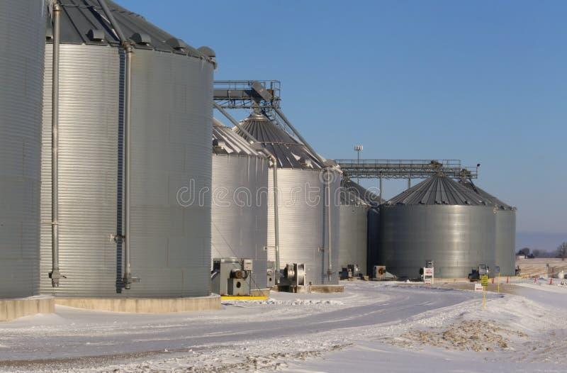 Fabrik-Wirtschaftsgebäude lizenzfreie stockfotos