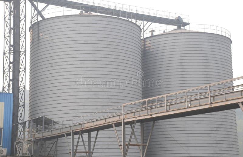 Fabrik zur Weiterverarbeitung von Lebensmitteln stockbild