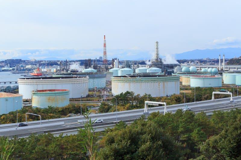 Fabriker i Keihin den industriella regionen i Yokohama, Kanagawa, Japan arkivbild