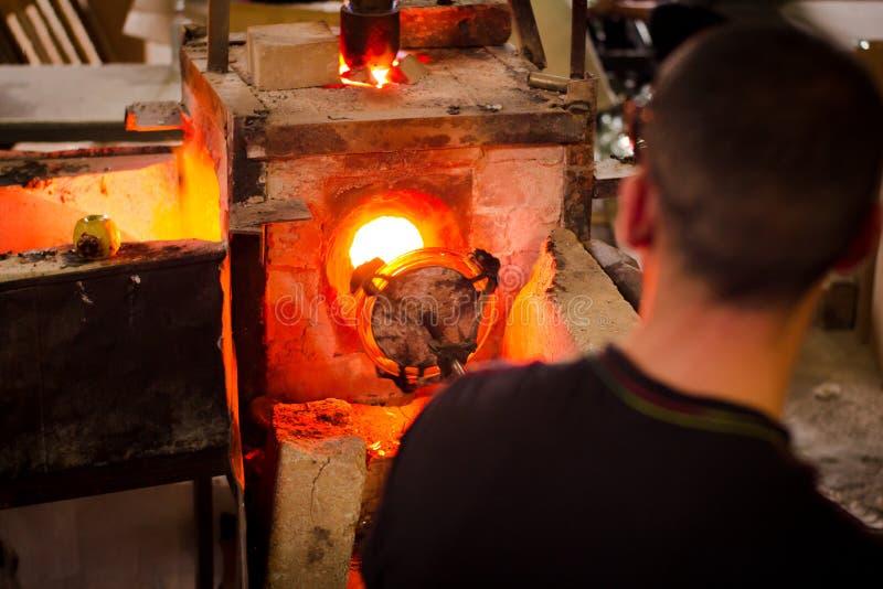 Fabriks- process för glastillverkningar royaltyfri fotografi