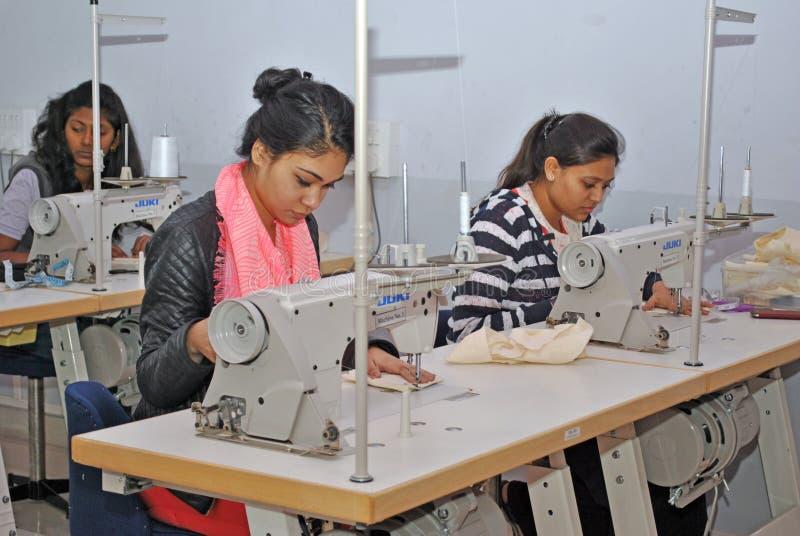 Fabriks- seminarium för plagg fotografering för bildbyråer