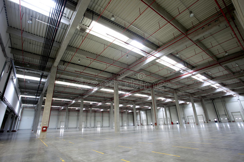 fabrikskorridor arkivbild