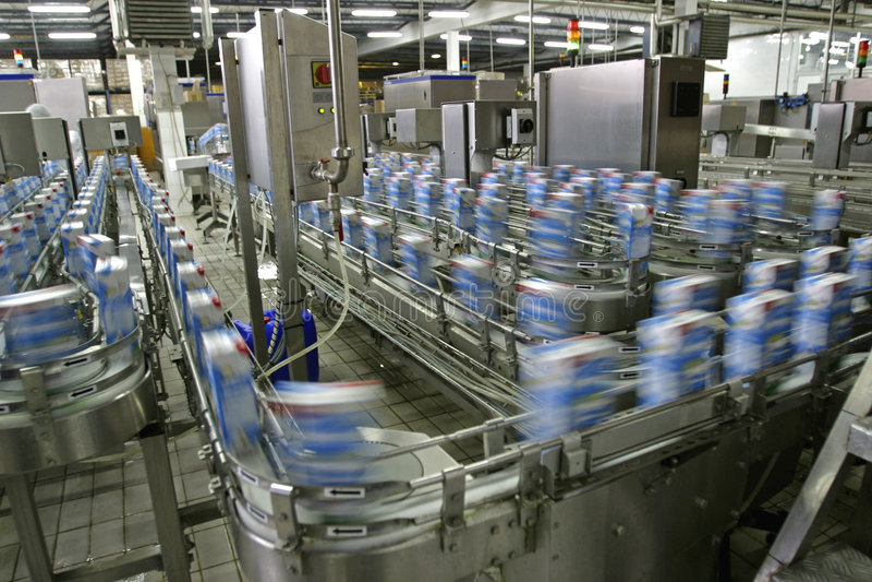 fabrikslinje produktion arkivbild