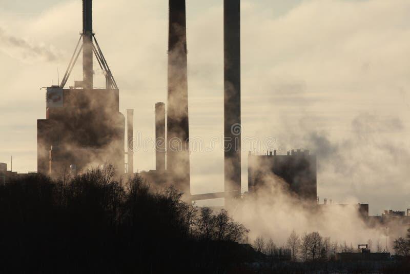 fabriksrök arkivbild