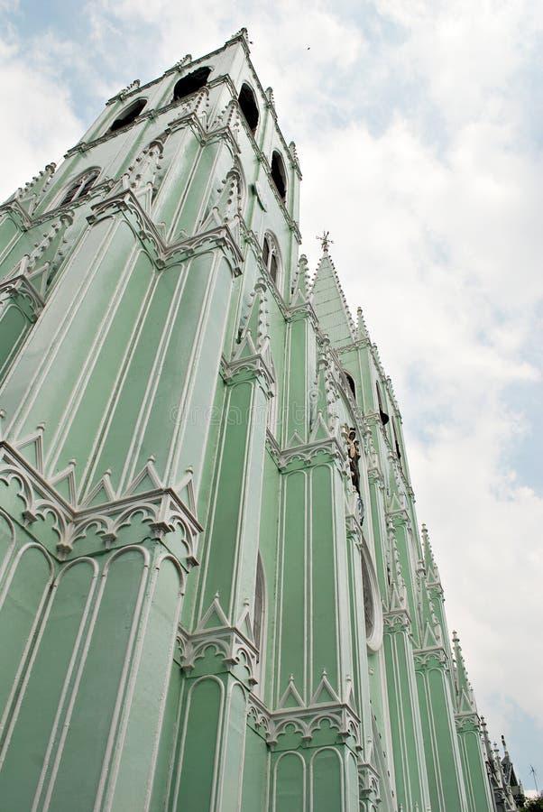 fabrikstillverkad delarna till kyrklig metall arkivbild