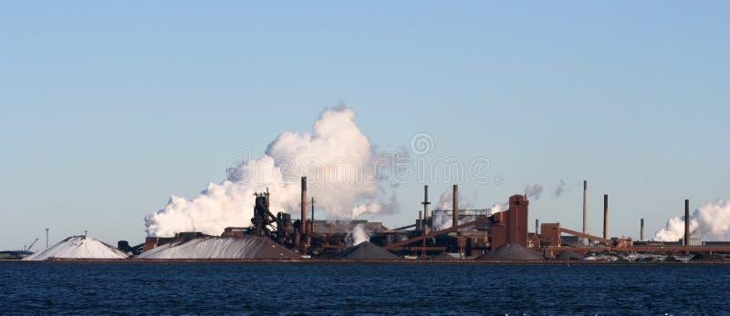 fabryka chmura dymu obrazy royalty free