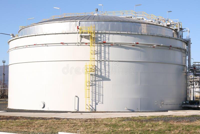 fabryka petrochemiczny pojemnika zdjęcie stock
