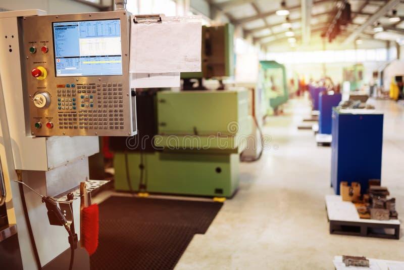 Fabryka wyposażająca z cnc maszynami zdjęcia royalty free