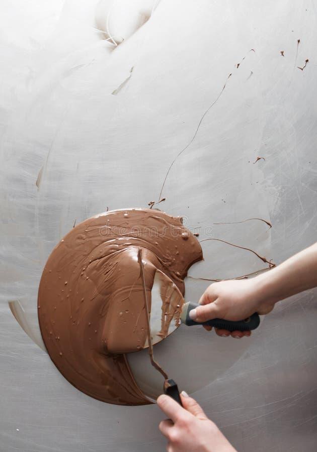 Fabrykować czekoladowi cukierki zdjęcie stock