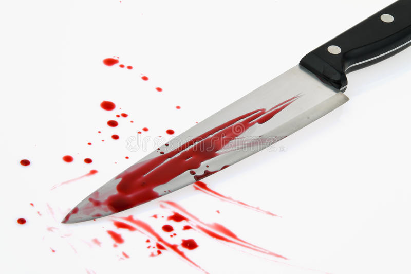 Faca com sangue. Crime. Uma arma de assassinato. fotografia de stock royalty free