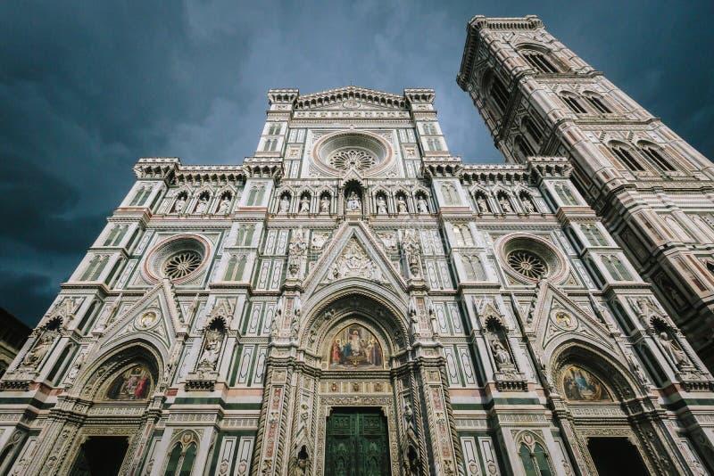 Facade av den Florence domkyrkan royaltyfri fotografi
