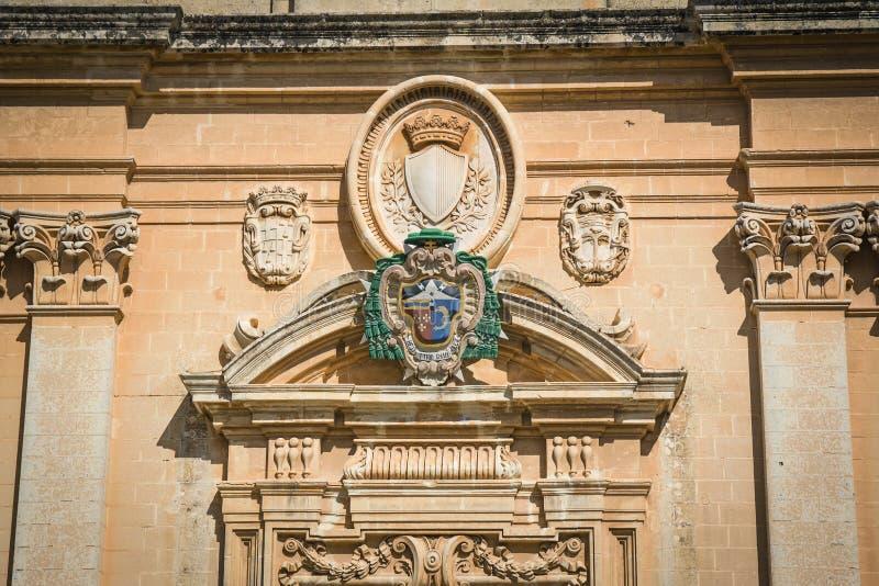 Facade av domkyrkan för St. Paul'sen, Mdina royaltyfria bilder
