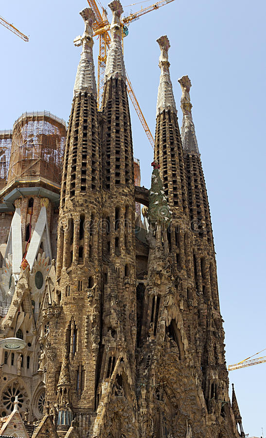 Download Facade La Sagrada Familia editorial photography. Image of familia - 28883872